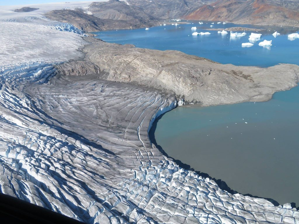 this shows the glacier-sea front where icebergs calve (Photo: Formula E)